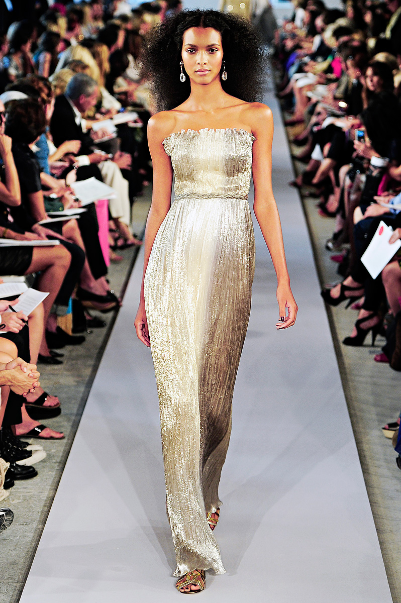 oscar-de-la-renta-rtw-ss2012-gold-metallic-wedding-dress.original
